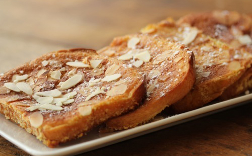 (English) Almond Crusted French Toast With Whipped Ricotta And Honey